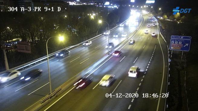 El tráfico en la A-3 en la salida de Madrid este 4 de diciembre.