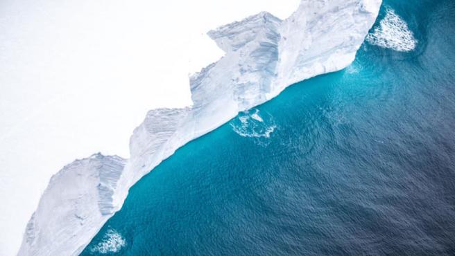 Impresionante acantilado del iceberg A68a.