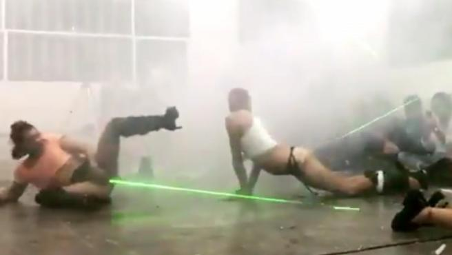 Una imagen de la 'performance' que subió a redes sociales Paco León.