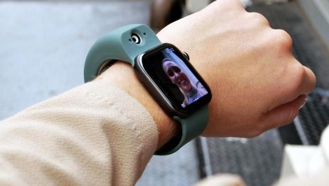 La Wristcam es una cámara para su Apple Watch.