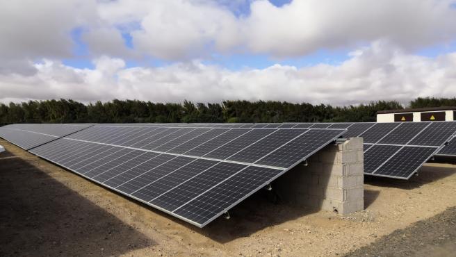 El Aeropuerto de Fuerteventura ha puesto en marcha la primera de las plantas solares fotovoltaicas en autoconsumo previstas por Aena