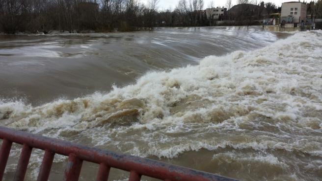 Protección Civil avisa por el incremento de caudales en el Ebro a su paso por Logroño.