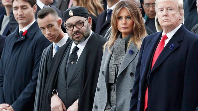 De izquierda a derecha, el príncipe heredero de Marruecos, Moulay Hassan, el rey marroquí, Mohamed VI, Melania Trump y Donald Trump.