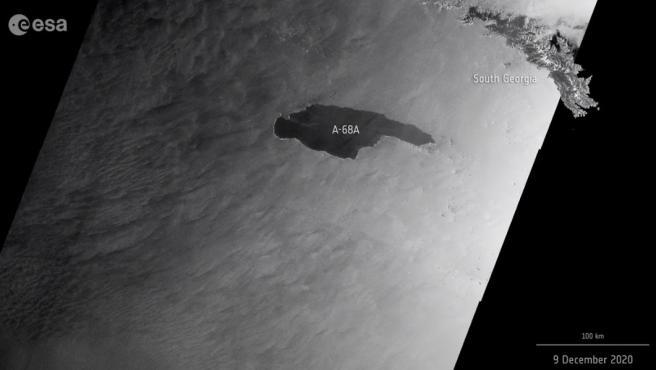 El iceberg A-68A, acercándose a Georgia del Sur.