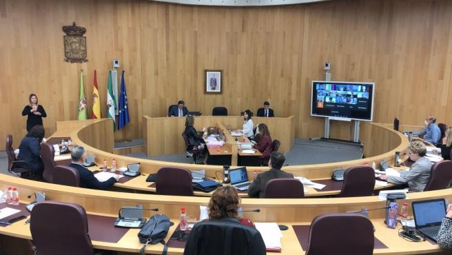 La Diputación se reúne con constructores y colegios profesionales para articular el Plan de Recuperación