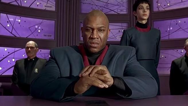 Tomy 'Tiny' Lister como presidente Lindberg en 'El quinto elemento' de 1997.