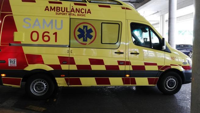 Una ambulancia de soporte vital básico del SAMU 061 de Baleares