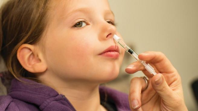 Vacuna para la gripe Fluenz Tetra, por la nariz.