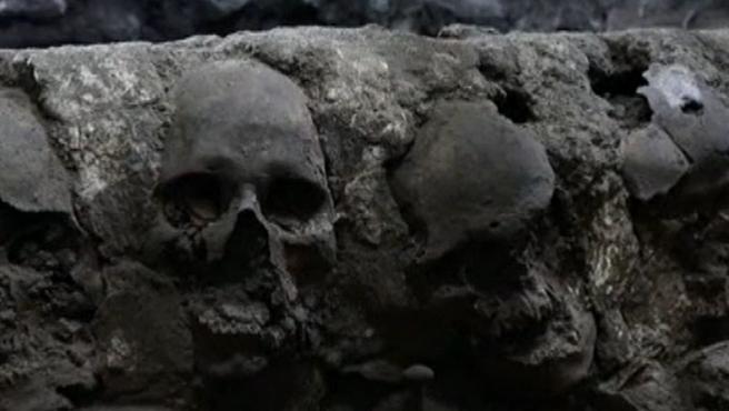 La torre de cráneos encontrada del imperio azteca.