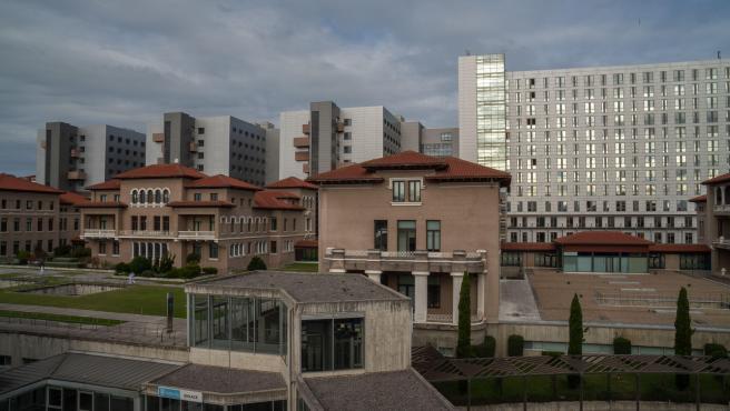 Imagen del exterior del Hospital Universitario Marqués de Valdecilla, en Santander.