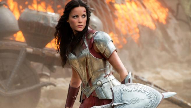 Jaimie Alexander en 'Thor: El mundo oscuro'