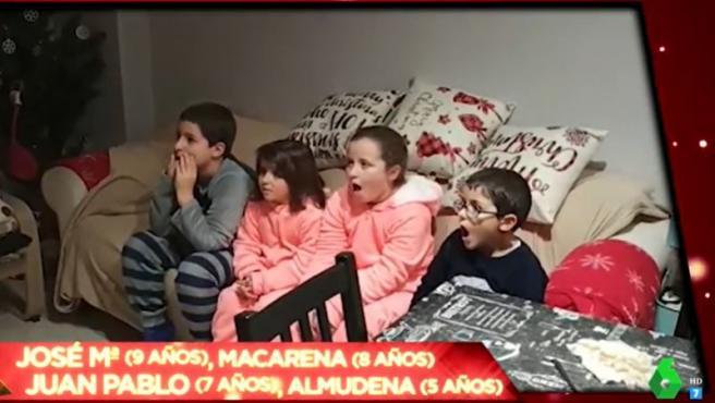 Momento de la reacción de cuatro niños a la broma de 'Zapeando' de esta Navidad.