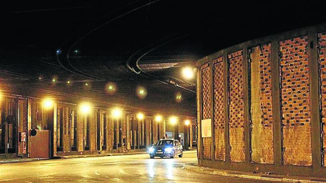 Un coche, en los túneles la semana pasada.