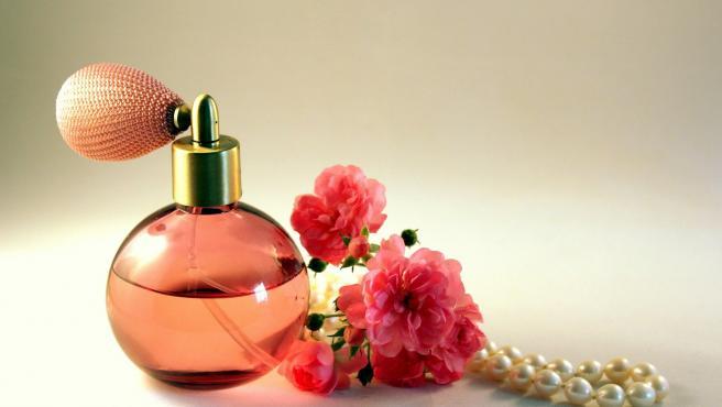 Es un producto que tradicionalmente se usa en el baño, pero la combinación de humedad y cambios bruscos de temperatura puede tener un efecto muy perjudicial sobre la fragancia y echar a perder su olor.