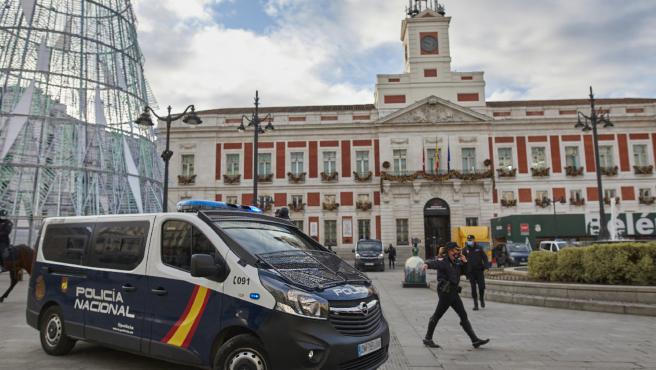 La Policía Nacional desplegará 300 agentes más este año para velar por la seguridad en Madrid durante las fiestas.