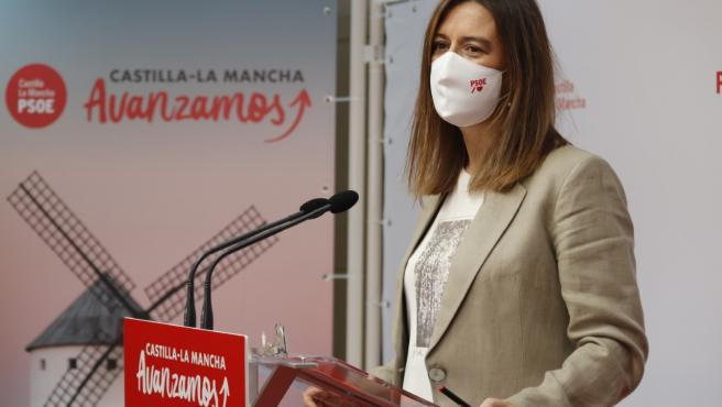La diputada nacional del PSOE Esther Padilla en rueda de prensa