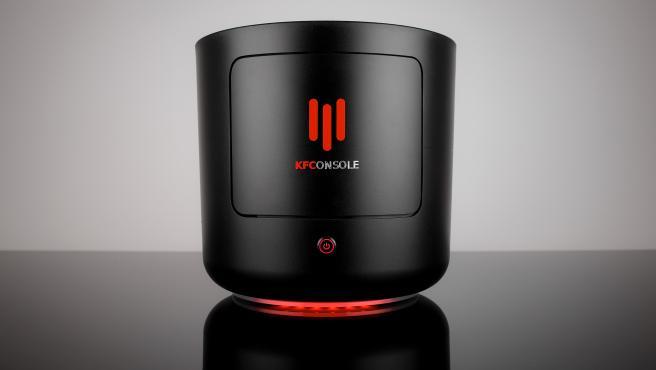 KFC se asoció con Intel, CoolerMaster, Asus y Seagate para crear esta consola.