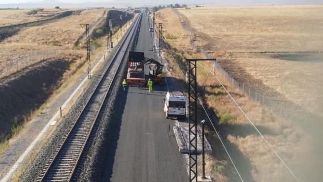 Imagen montaje de doble vía de alta velocidad en la provincia de Cáceres