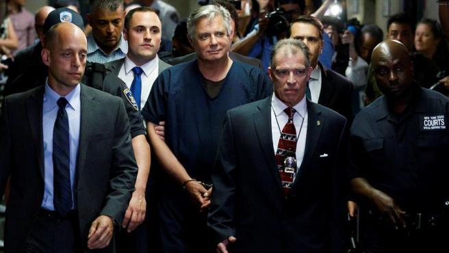 Paul Manafort (en el centro), exjefe de campaña de Donald Trump, en el Tribunal Supremo de Manhattan, en Nueva York (EE UU), en 2019.