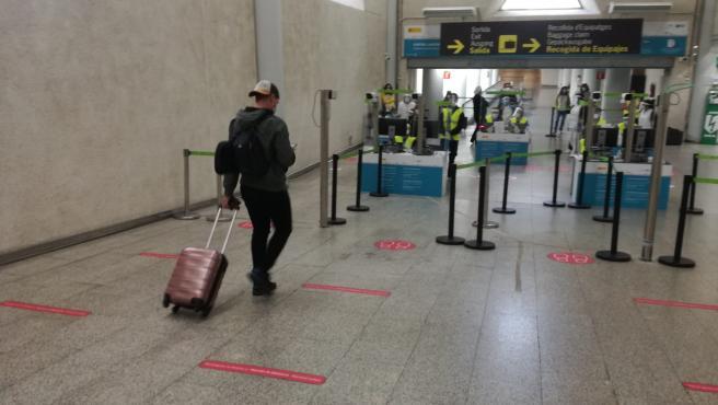 Control de pasajeros internacionales en el aeropuerto de Palma.