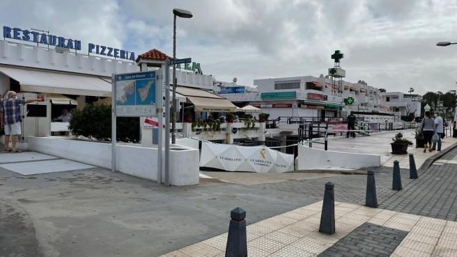 Cordón de la Guardia Civil en el lugar del asesinato de una mujer trans en Arona (Tenerife).