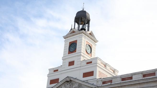 Reloj de la Puerta del Sol tras conocerse que no habrá campanadas este año, en Madrid (España), a 4 de diciembre de 2020. La Comunidad de Madrid ha anunciado hoy que suspende los actos para festejar las Campanadas de Nochevieja en plaz