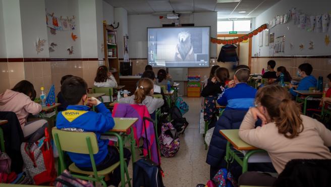 Alumnos de un colegio de Mérida durante una de las proyecciones del Festival de Cine Inédito.