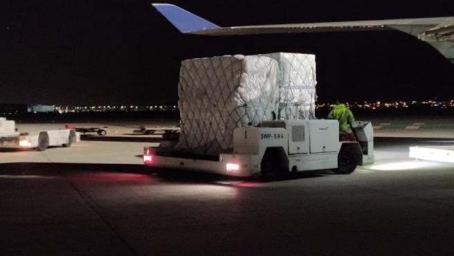 Avión procedente de China con material adquirido por la Junta de CyL.