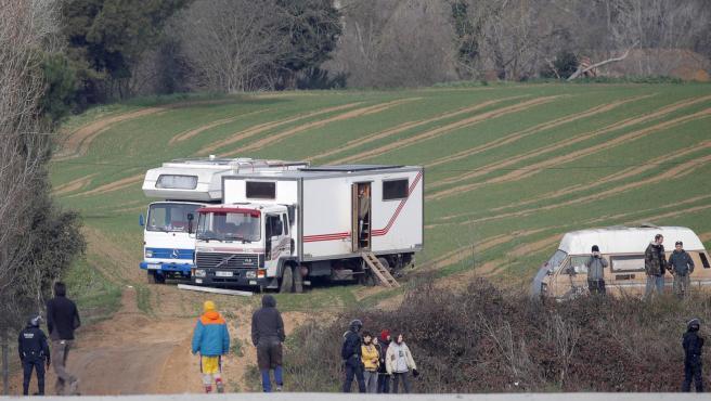 Algunas caravanas que participaron en la 'rave' de Llinars.