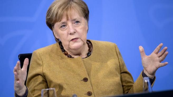 La canciller alemana, Angela Merkel, tras reunirse con los presidentes de los 'länder'