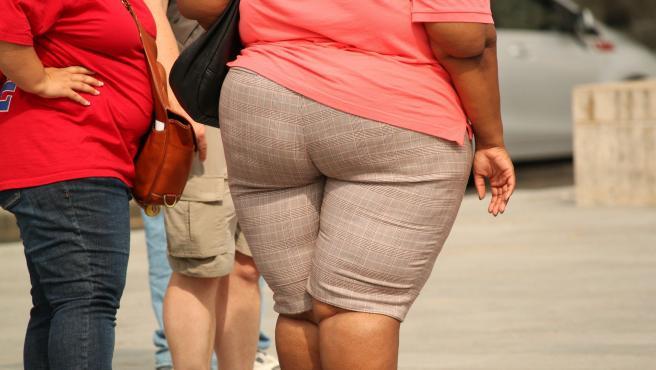 Las personas con obesidad deben evitar los ejercicios de gran impacto y muy extenuantes.