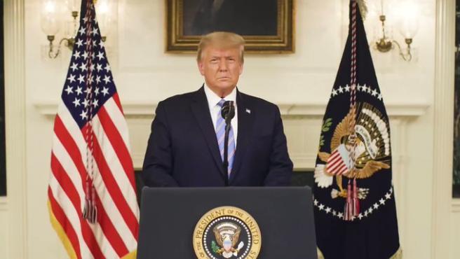 """El presidente saliente de Estados Unidos, Donald Trump, reconoció este jueves por primera vez explícitamente su derrota en las elecciones de noviembre, y condenó además el asalto al Capitolio, al asegurar que aquellos seguidores suyos que cometieron crímenes """"pagarán por ello""""."""