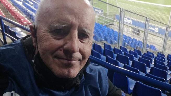 El periodista deportivo Chema del Olmo cuelga el micro tras 40 años de carrera