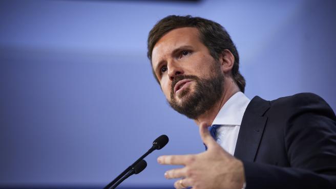 El presidente del Partido Popular (PP) Pablo Casado, comparece en rueda de prensa para hacer balance del año 2020 en la sede del partido, en Madrid (España), a 29 de diciembre de 2020.