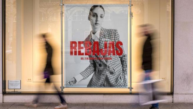 Cartel promocional de la temporada de rebajas en Zaragoza