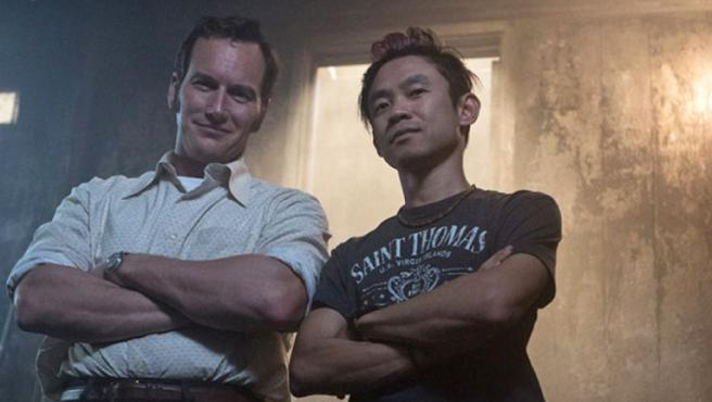 Patrick Wilson junto a James Wan en el rodaje de 'Expediente Warren'