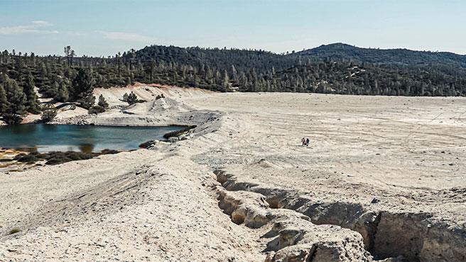 Mina de abestos en la montaña de San Benito, California.