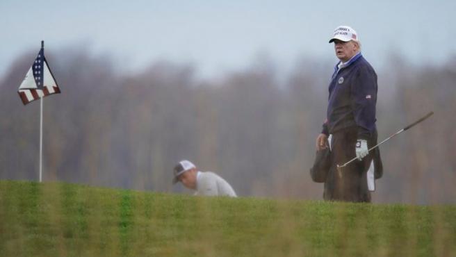 Donald Trump en el campo de golf.