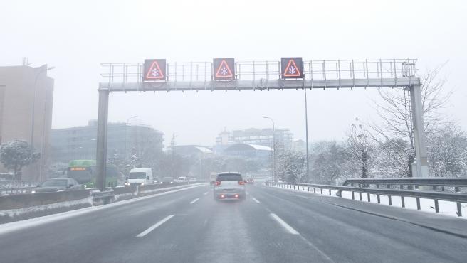 El Gobierno de Aragón llama a extremar la precaución en las carreteras por la existencia de placas de hielo.