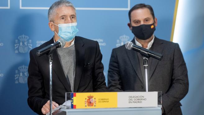 El ministro del Interior, Fernando Grande-Marlaska, y el titular de Transportes, José Luis Ábalos.
