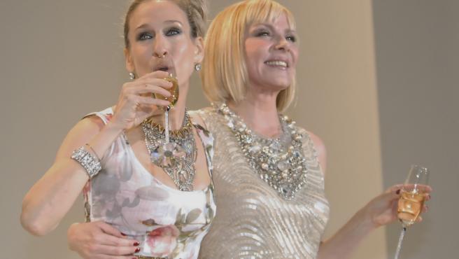 Sarah Jessica Parker y Kim Cattrall en 2010