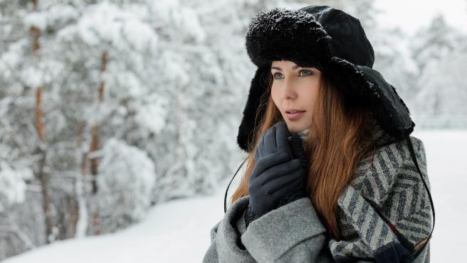 Llevar tres capas de ropa de diferentes tejidos es la mejor manera de combatir el frío
