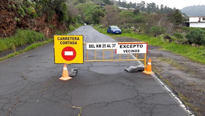 Carretera que da acceso al Roque de Los Muchachos, en La Palma