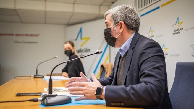 El secretario general de CC, Fernando Clavijo, y la portavoz, María Fernández