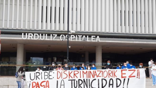 Concentración de trabajadores del Hospital de Urduliz (Bizkaia)