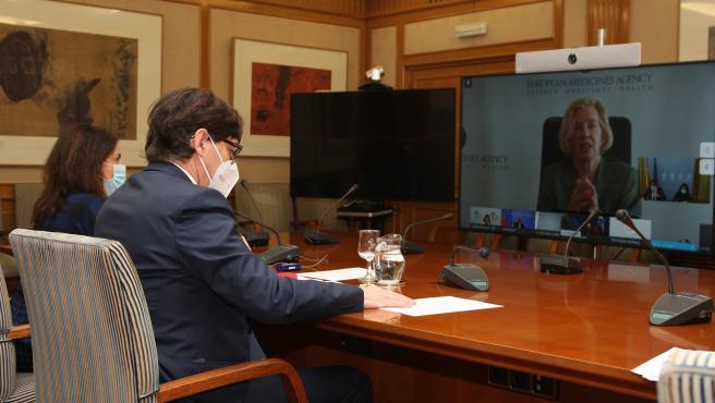 El ministro de Sanidad, Salvador Illa, y la secretaria de Estado de Sanidad, Silvia Calzón, se reúnen con el resto de ministros de Sanidad de la UE