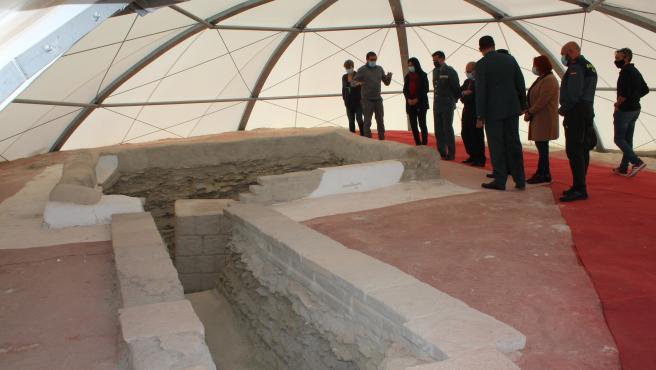 Imagen de archivo de una visita del Gobierno al yacimiento de Tútugi
