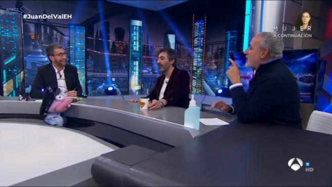 Pablo Motos, Juan del Val y Jorge Salvador, en 'El hormiguero'.