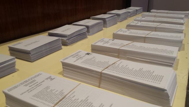 Papeletas para las elecciones al Parlament del 21D en Catalunya (ARCHIVO)