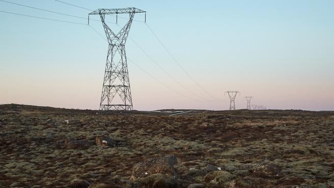Imagen de recurso de postes de la red eléctrica.